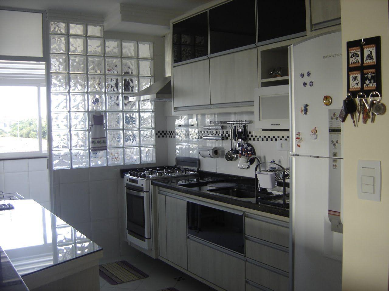 Cozinha Com Parede De Tijolos De Vidro Cocinas Peque As