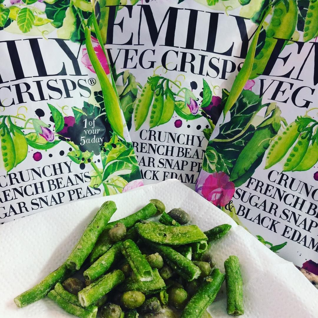 We've all had vegetable crisps before. But have you ever had some that were green? French beans, sugar snap peas and black edamame crisps! Crunchy, crispy, no added sugar or preservatives. Gluten free and vegan. Getting to five a day just got even easier! Thanks @emilyfruitcrisps Brave the rain and come to @tastesdeli to try. #beansorcrisps #vegcrisps #greencrisps #vegan #snacking #edamamebeans #frenchbeans #oddlyaddictive #1ofyour5aday