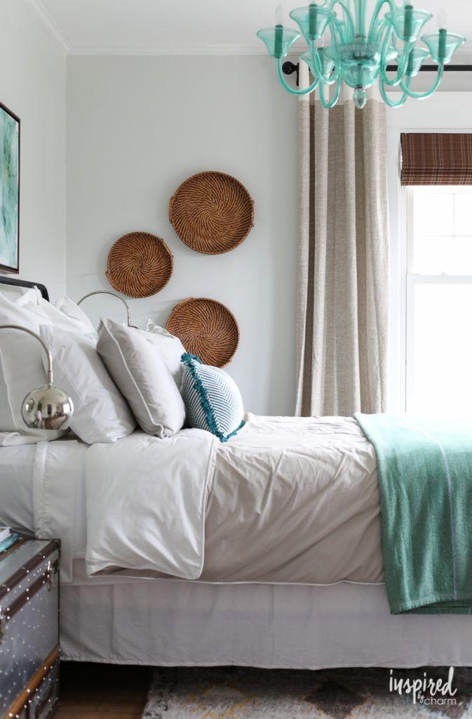 Updated Guest Bedroom Guest bedroom decor, Bedrooms and Decorating