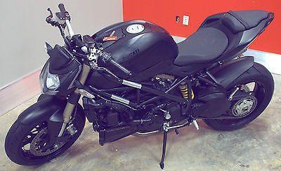 Ducati 2014 Superbike Streetfighter 848 Testastretta 11 L Twin Black