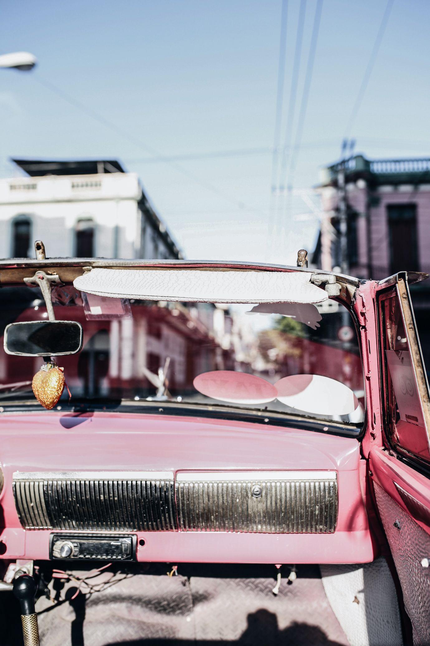 Havana - Read the ultimate travel guide here: http://www.ohhcouture.com/2016/08/havana-travelguide/ #ohhcouture #leoniehanne