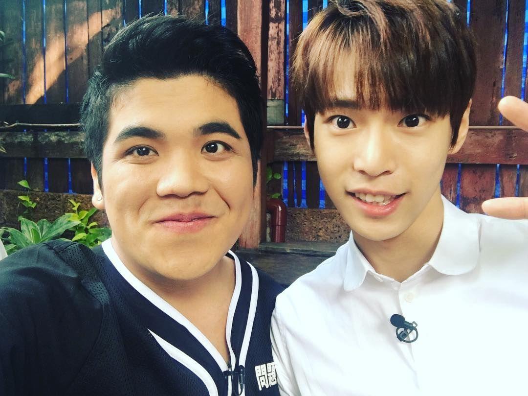 """ jackfanchan: #도영 #Doyong #โดยอง เก่งพิธีมาก น่ารัก """