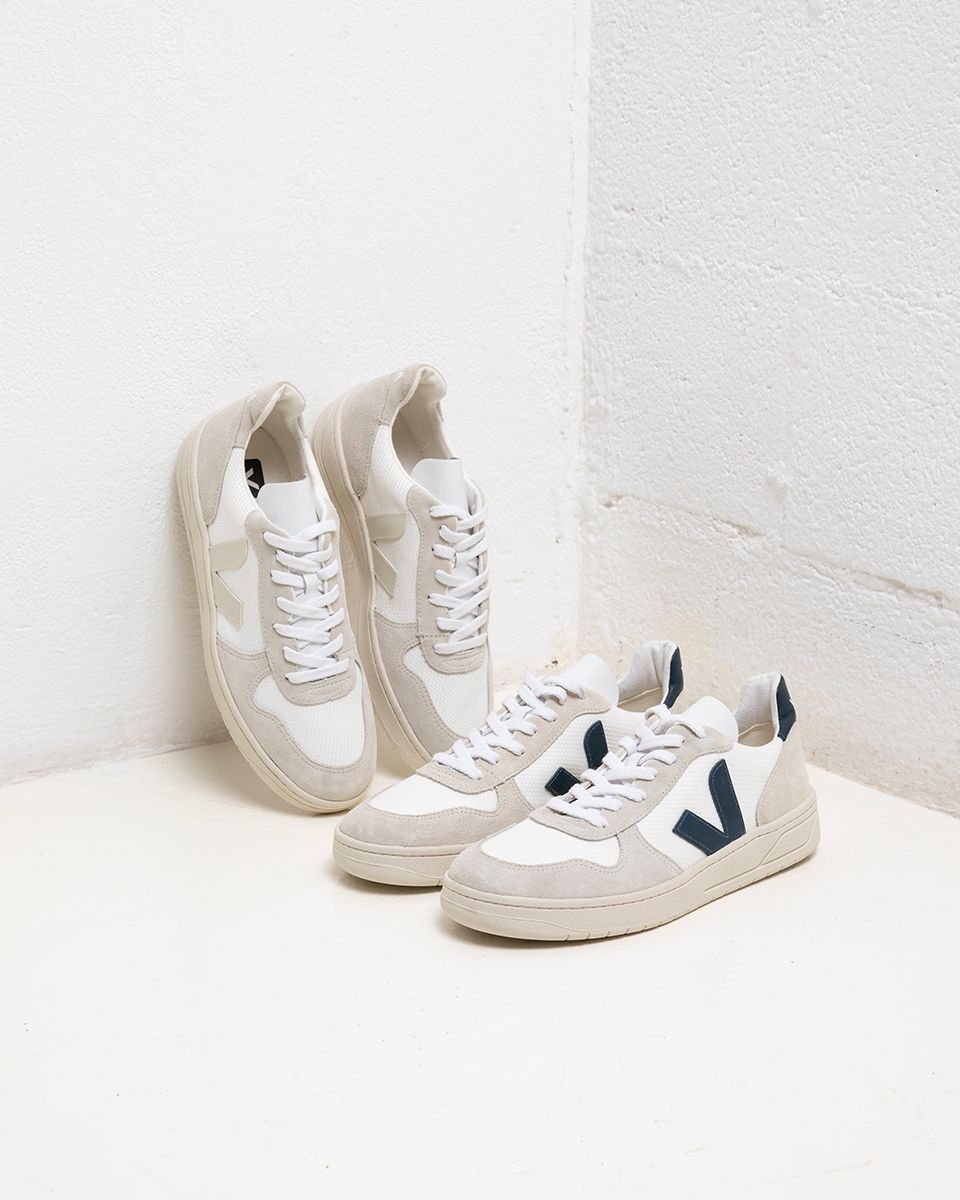 Unión Sociedad Percepción  Cool kicks made from recycled bottles? YAY just choose between our V-10  BMESH WHITE NAUTICO and V-10 B-MESH WHITE NATURAL | Shoes photography,  Shoes, Sneakers