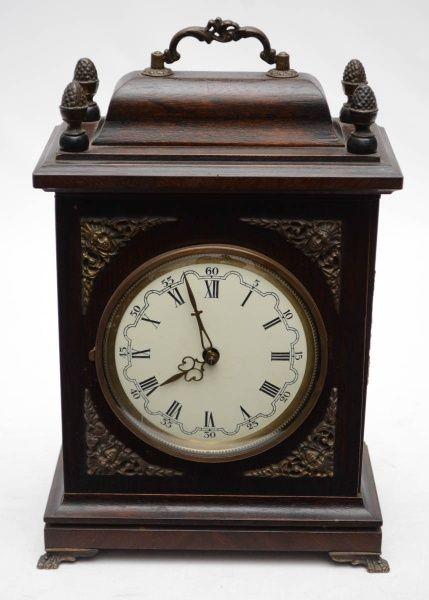 c372fa243e8 HERMLE - Antigo relógio de mesa alemão com caixa em madeira nobre com  aplicações em bronze cinzelado