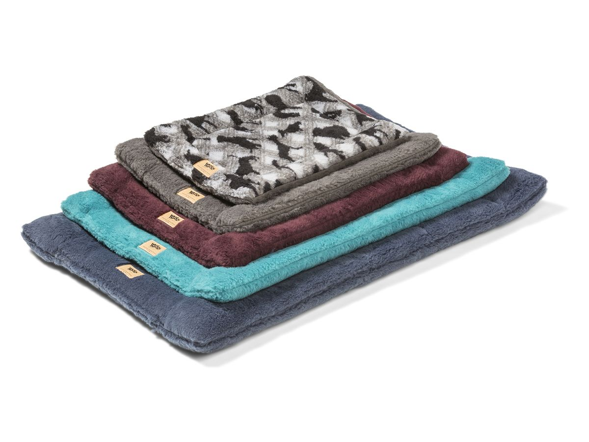 Montana Nap By West Paw Designsthe Most Comfortable Dog Mat Yet Although This Is A Mat And Not A Bed Per Say It Has A Well Defin West Paw Paw Design Fall