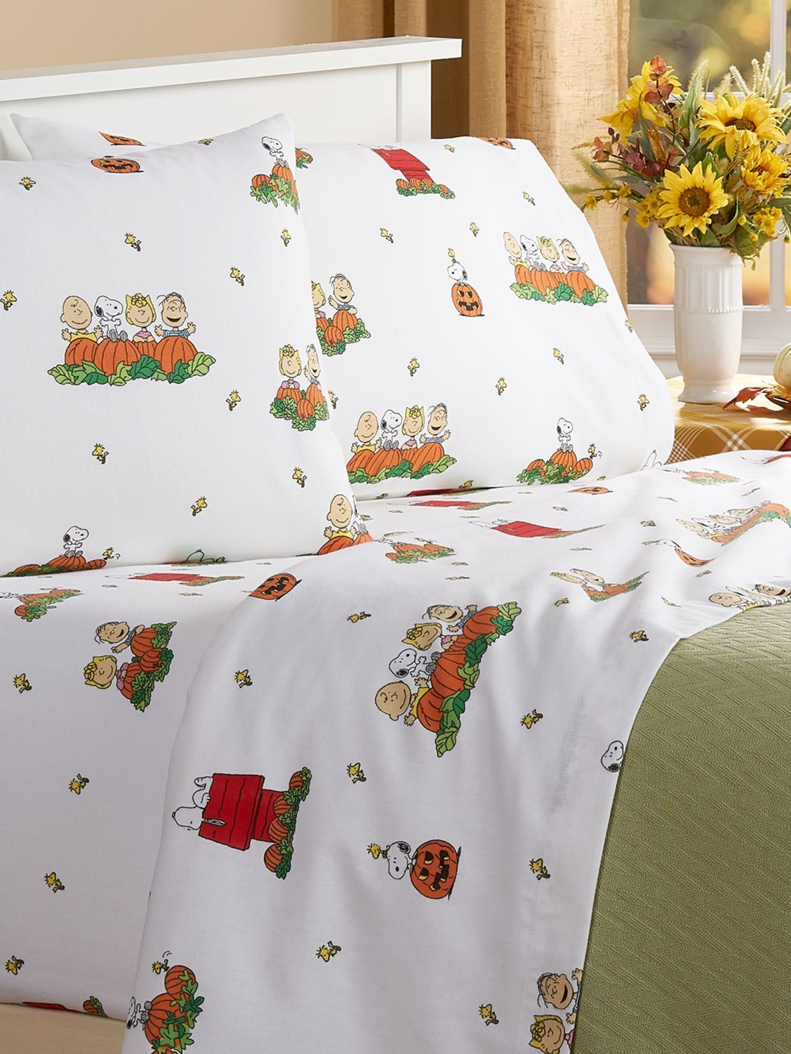 Christmas Flannel Bed Sheets Sets 2020 Peanuts Great Pumpkin Portuguese Cotton Flannel Sheet Set in 2020