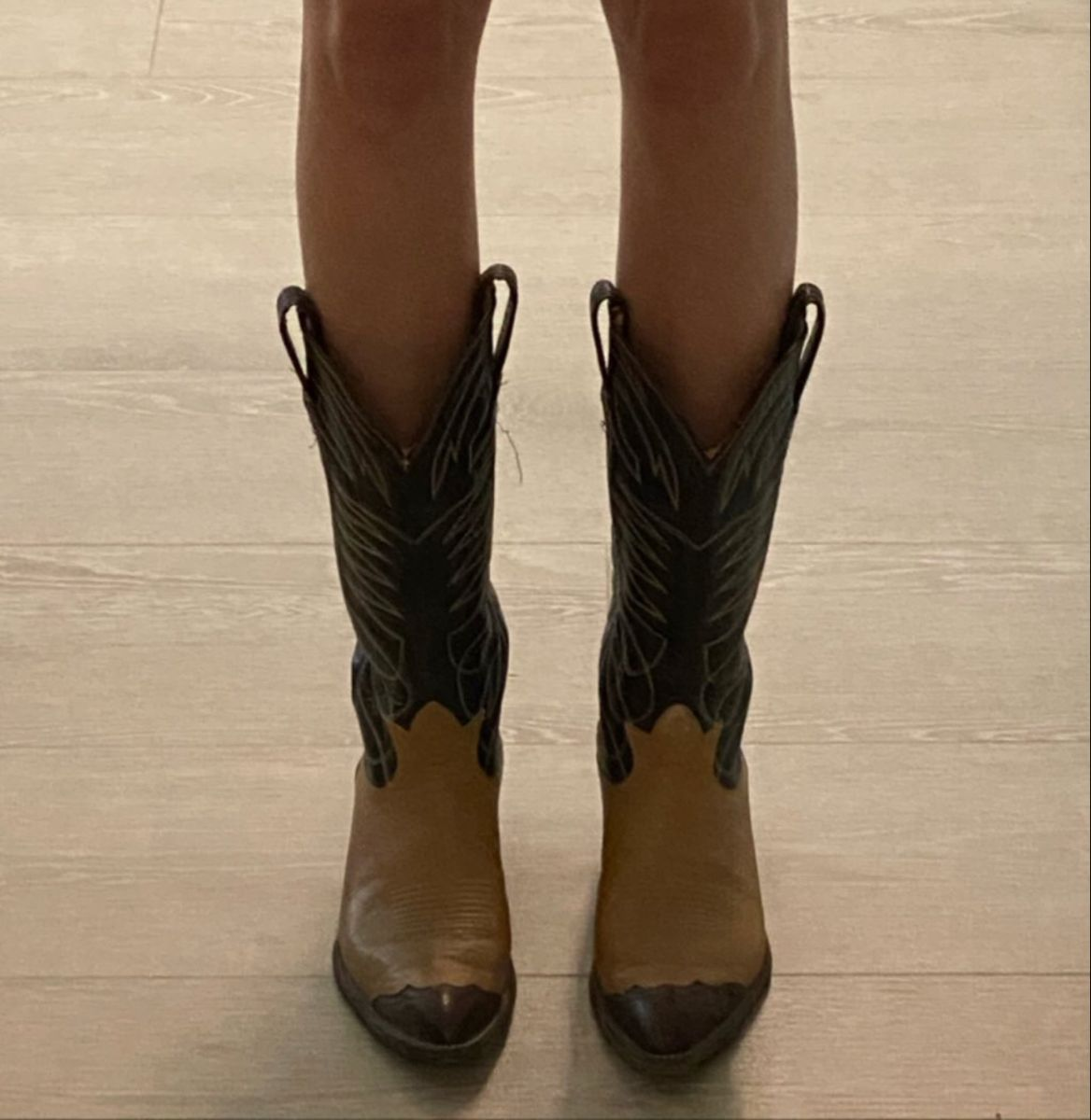 Madisonheberlie In 2021 Boots Sneakers Fashion Aesthetic Shoes