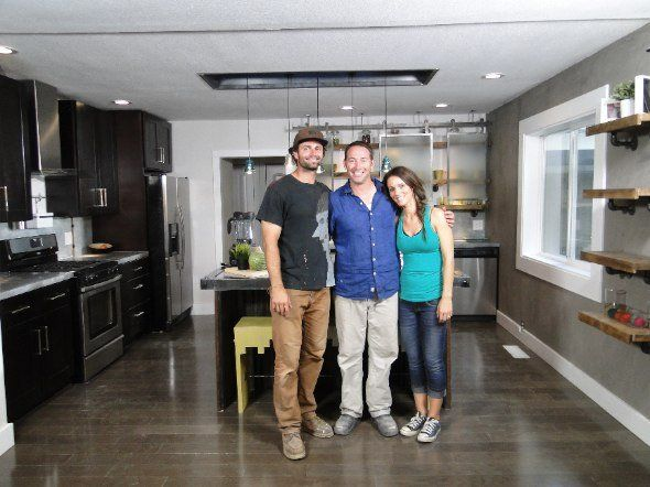 Loved this House Crashers kitchen...and the couple reminded me of my husband and me :)