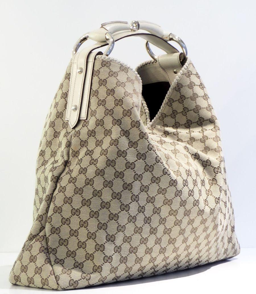 f9ed3de6bc51 GUCCI SHOULDER BAG @Michelle Flynn Flynn Flynn Coleman-HERS | Prada Bag |  Bolsos, Bolsos cartera, Bolsos gucci