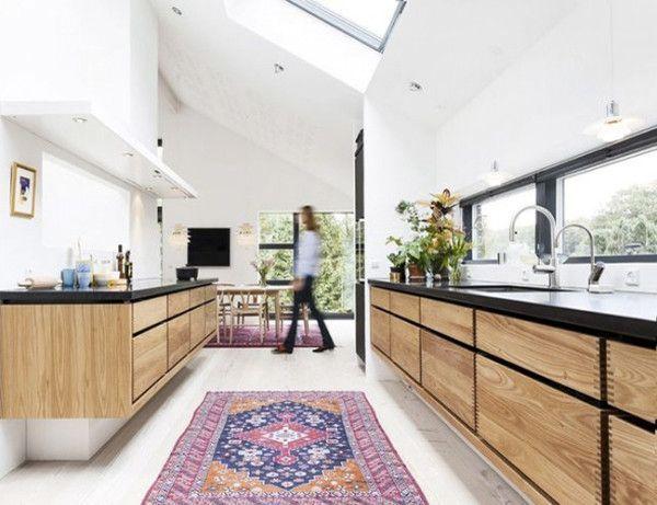 Moderne Holzküchen WOHNEN \ EINRICHTEN Pinterest Holzküche - wohnung mit deckenfluter einrichtern modern