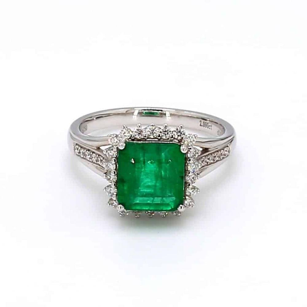 [$1513] 18K Emerald Ring Octagon 2.09 Cts @minigrinlv #emerald #emeraldjewelry #finejewelry #finejewelrydesign #gemstonejewelry #gemstonering #jewelryaddict