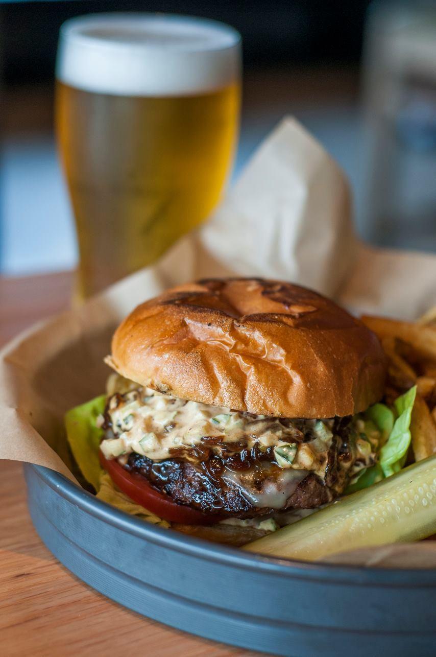 Red Door Grill On Kansas City Food Pinterest Beer Burger