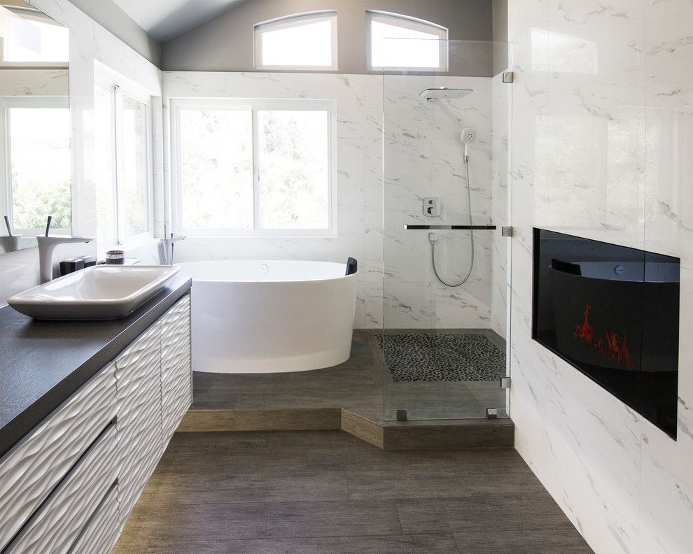 Small Tub And Shower Combo: Marvelous Quartz Shower Surround In Bathroom Contemporary