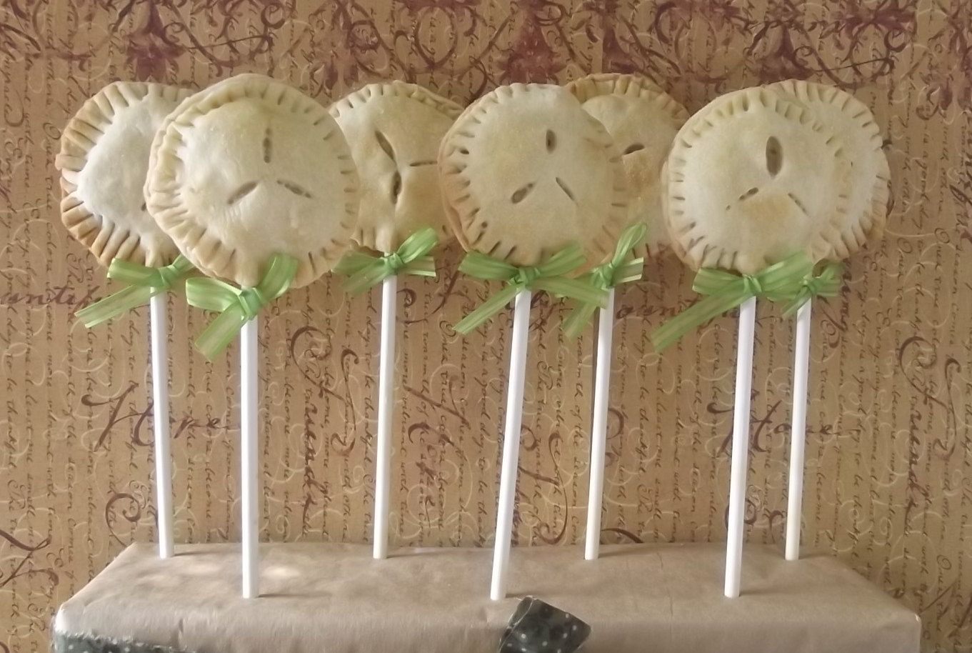Apple Pie Pops by SweetSetups on Etsy