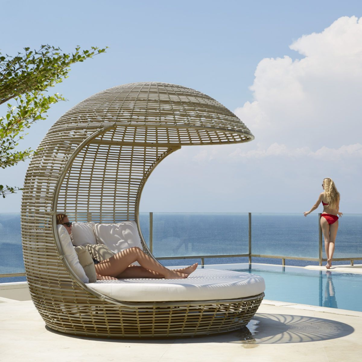 Drone Outdoor Daybed Outdoor Furniture Decor Luxury Modern