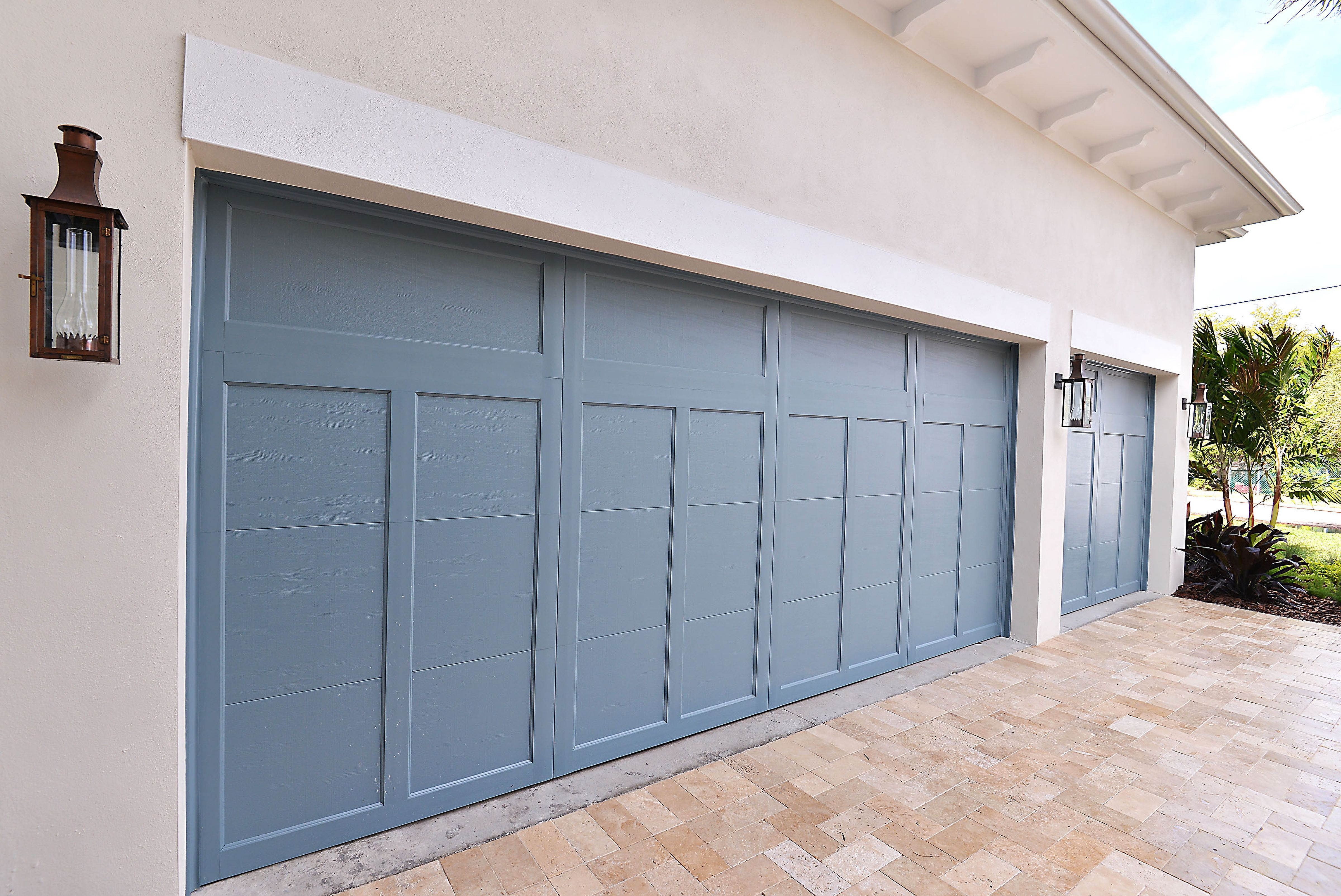 Pin By Wina Levy On Southern Living Showcase Home Details Garage Doors House Exterior Blue Garage Door Colors