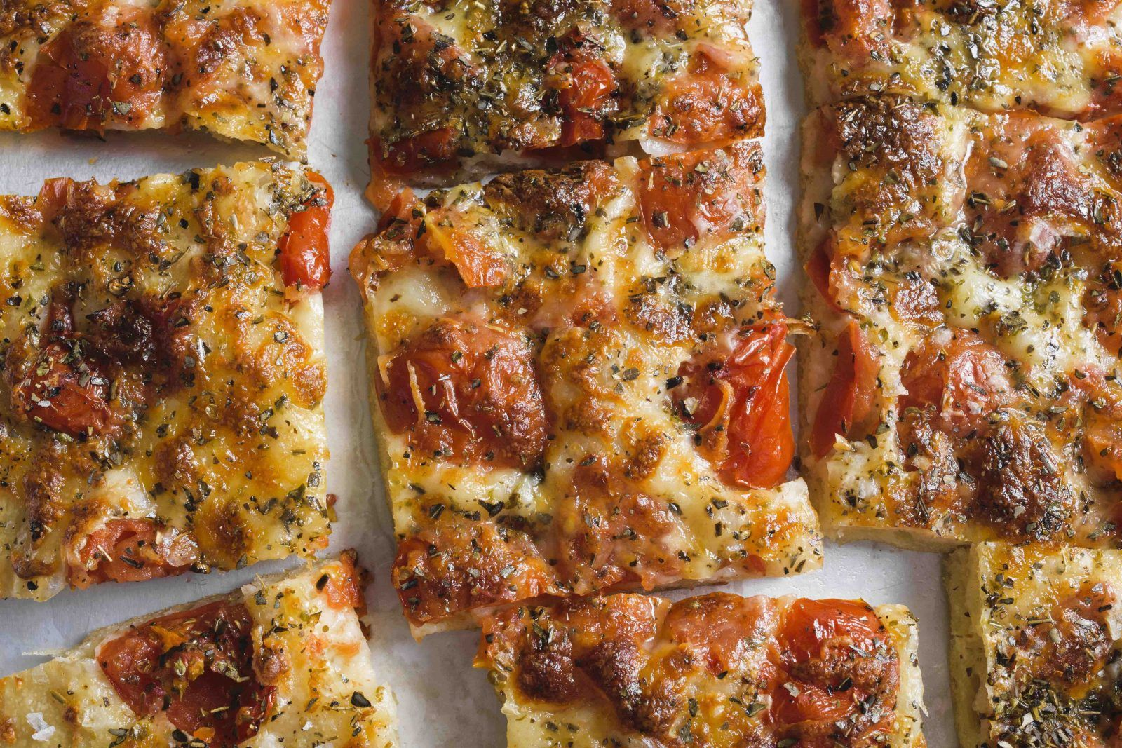 Pour In The Pan Pizza With Tomatoes And Mozzarella Recipe Pan Pizza Recipes Cooking Recipes