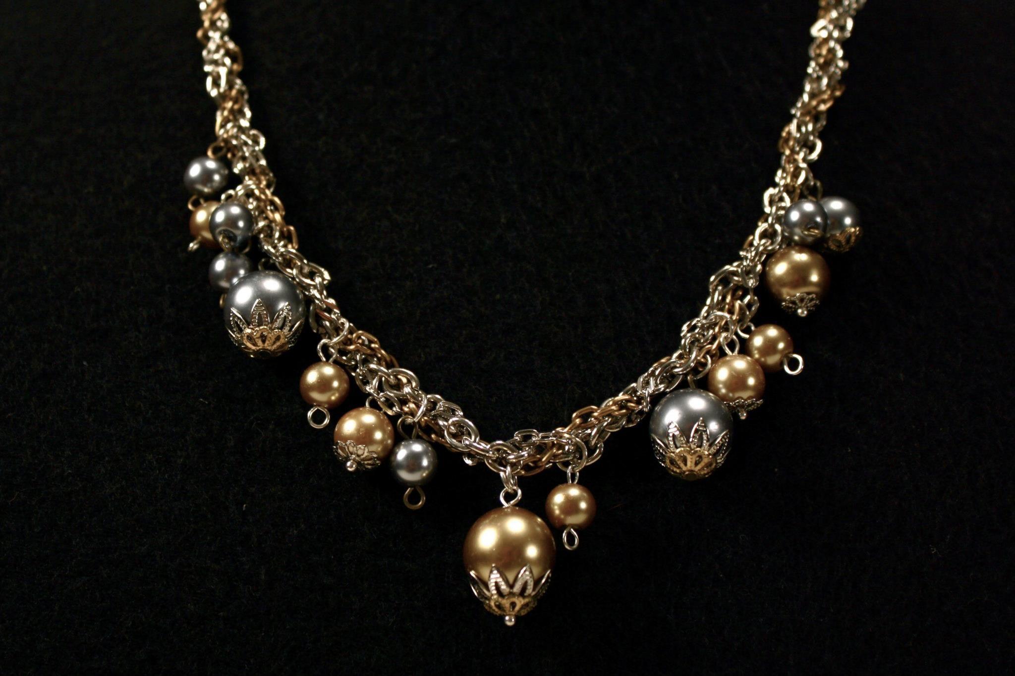 629334717517 Kraken  De la colección bestias marinas está este modelo de collar mediano  de cadenas metálicas doradas tipo antiguo