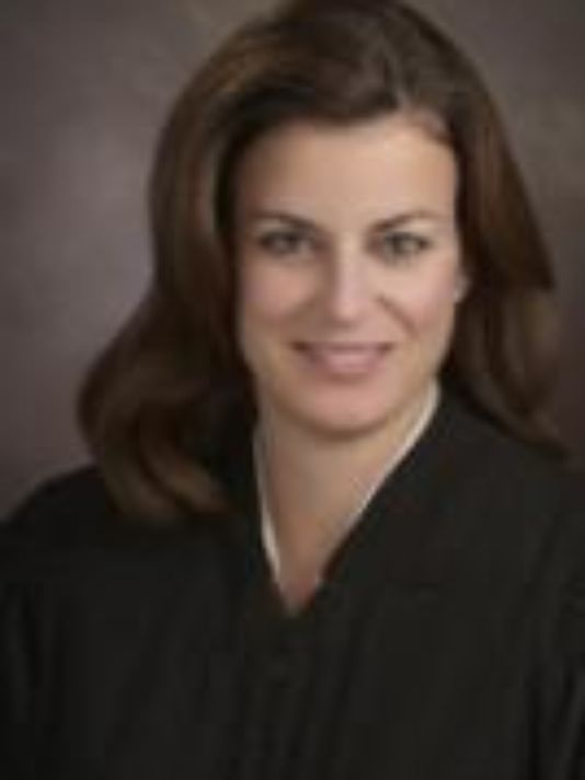 Oakland county family court judge lisa gorcycaildren are caught oakland county family court judge lisa gorcycaildren are caught solutioingenieria Images