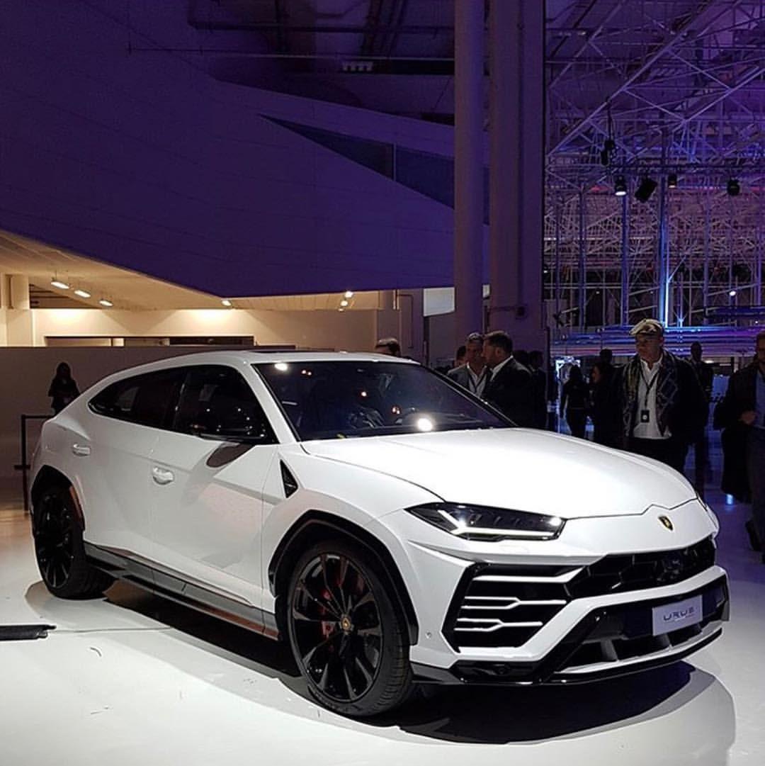Lamborghini Urus: The 2019 641 HP Lamborghini Urus