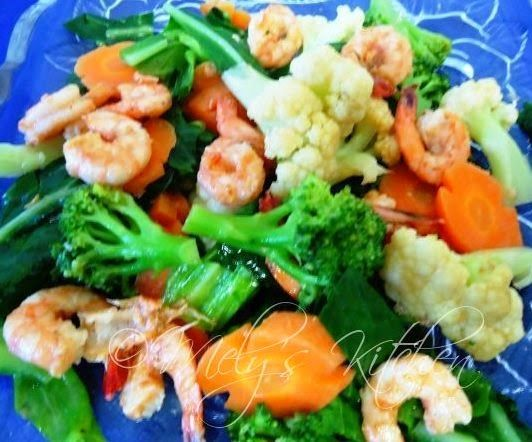 Welcome to Mely's kitchen...the place of glorious and healthy foods: Buttered Vegetables