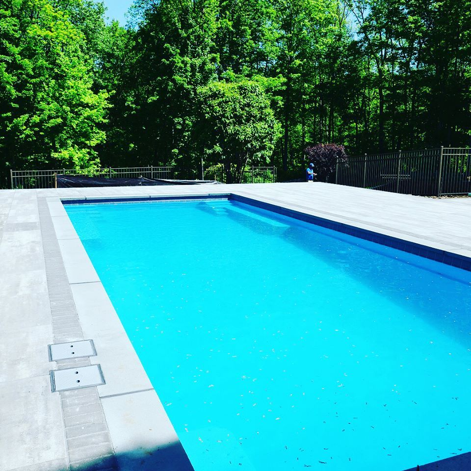 One Of Leisure Pools Newest Designs Is The Supreme Which Offers Up To 40 Feet Of Length In A 15 1 2 Foot Frame Leisure Pools Fiberglass Swimming Pools Pool