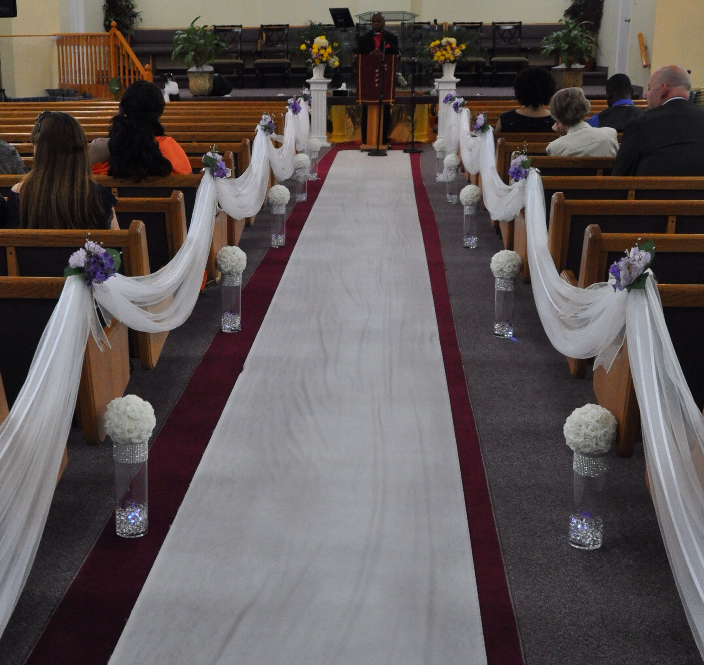 Church Pew Wedding Decoration Ideas: Church Wedding Decorations