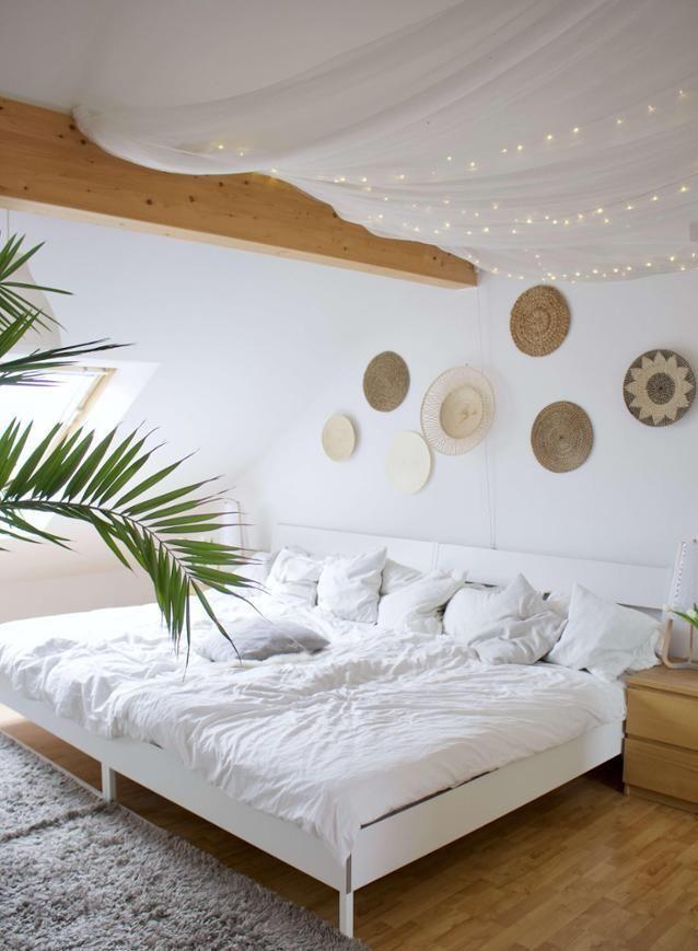 Diese Bett ist der Hammer! Entdecke noch mehr Wohnideen auf - schlafzimmer mit schrge einrichten