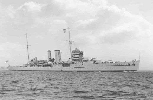 HMS York (90), the first of only two York-class heavy cruisers constructed for the RN in the interwar period. Early in the war she saw North Atlantic escort duty, and she saw action with the Home Fleet during the campaign for Norway in 1940 (she was attacked by U-48 but sustained no damage due to a faulty torpedo). After the Norway debacle, she resumed Atlantic escort duties until transferred to the 7th Mediterranean Fleet in August of 1940. In November, she escorted HMS Illustrious during…