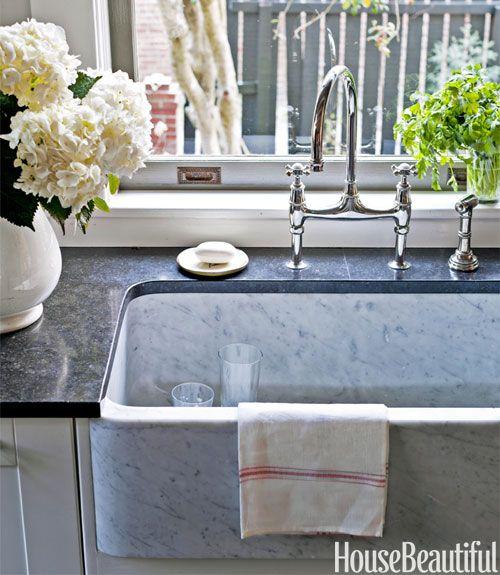 Mix and Chic: A designer's gorgeous Savannah kitchen with European elegance!