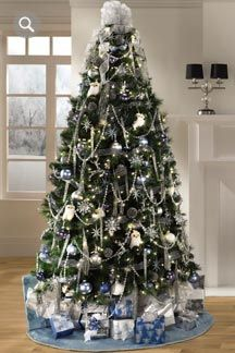 Midnight Clear themed Christmas tree by Jaclyn Smith....LOVE THIS ...