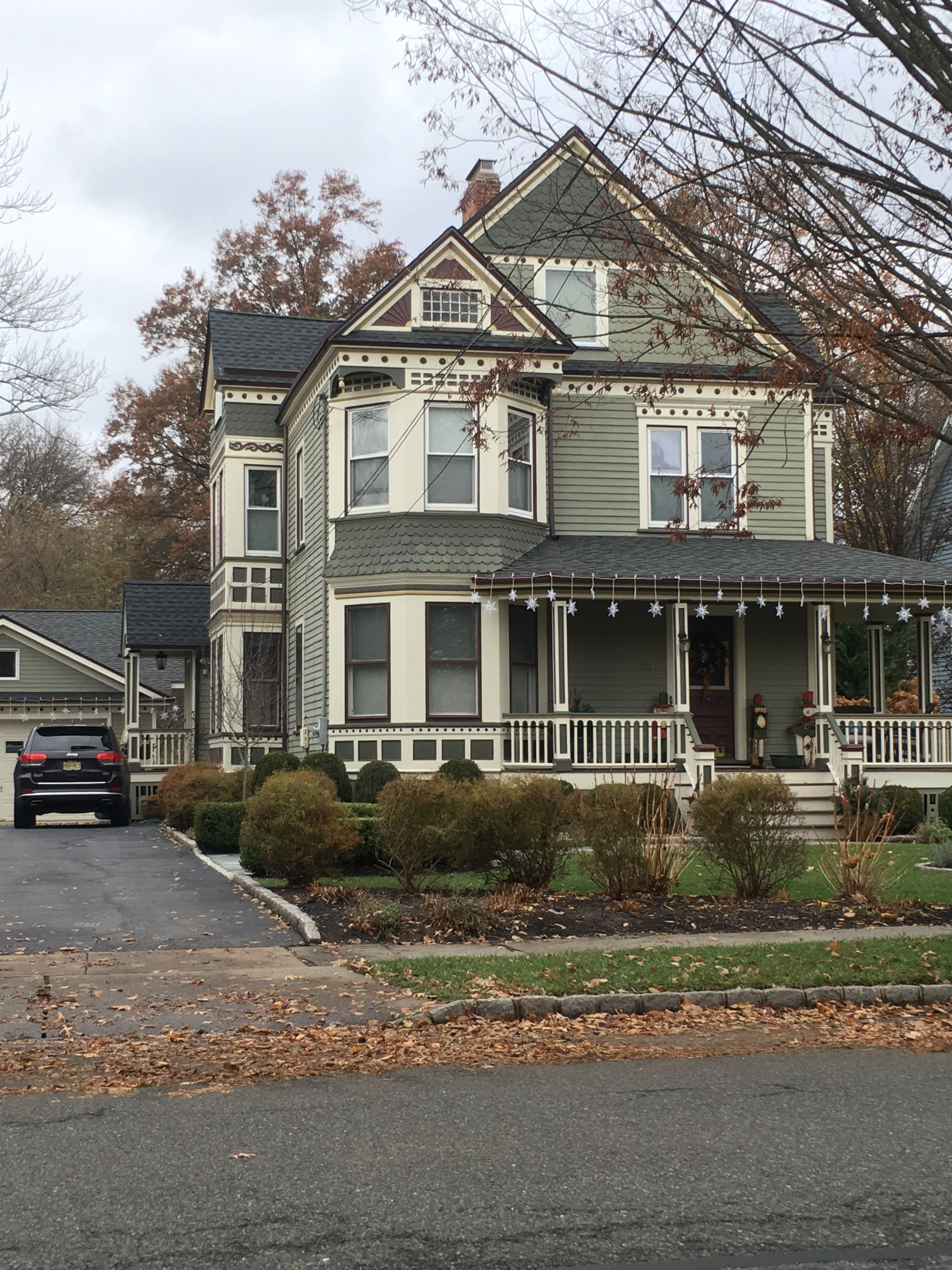 Green Victorian House Exterior Victorian Homes Exterior House Paint Exterior Green Exterior House Colors