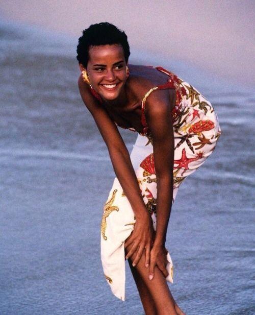 Patrick Demarchelier Vogue Ideias: Nadege In Versace For Vogue Sept 1990