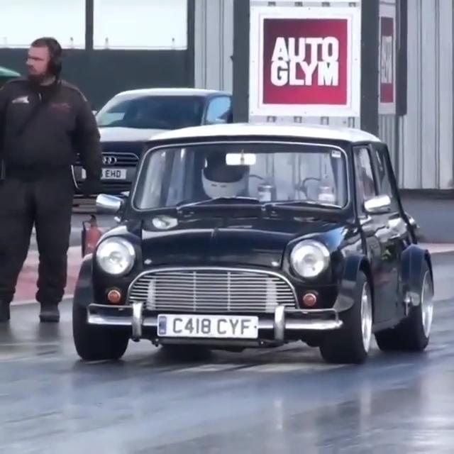 400hp 302ci Small Block V8 In A Mini Video Mini Cooper Mini Cooper Custom Mini Cooper Classic