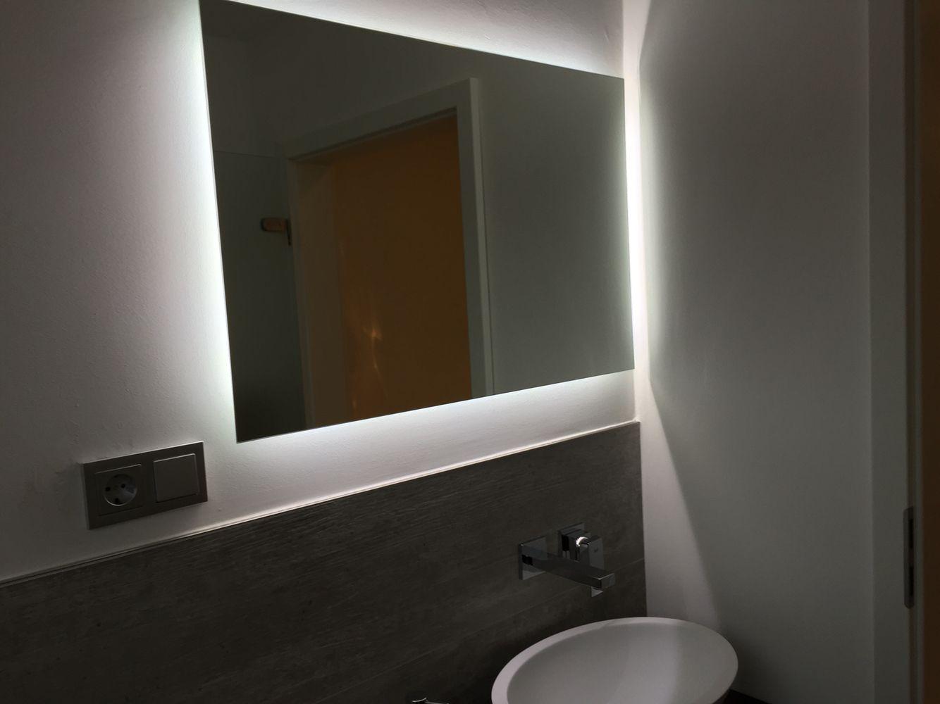 spiegel mit led beleuchtung von one bath im g ste wc traumb der pinterest spiegel mit led. Black Bedroom Furniture Sets. Home Design Ideas