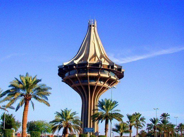 بشروط بدء القبول في كلية الأمير سلطان الصناعية بالخرج غدا Eiffel Tower Lamp Post Space Needle