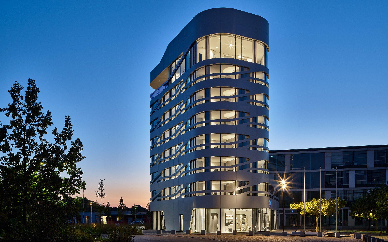 Architecture + interior design: Stark Architekten, Munich || Occhio partner: designfunktion, Munich || Lighting design: Occhio projects / Helen Neumann