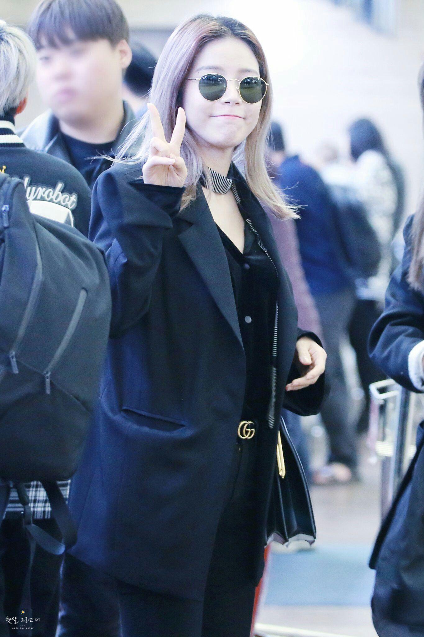 Solar Mamamoo Black Clothes Fashion Gucci Belt Kpop Moonbyul