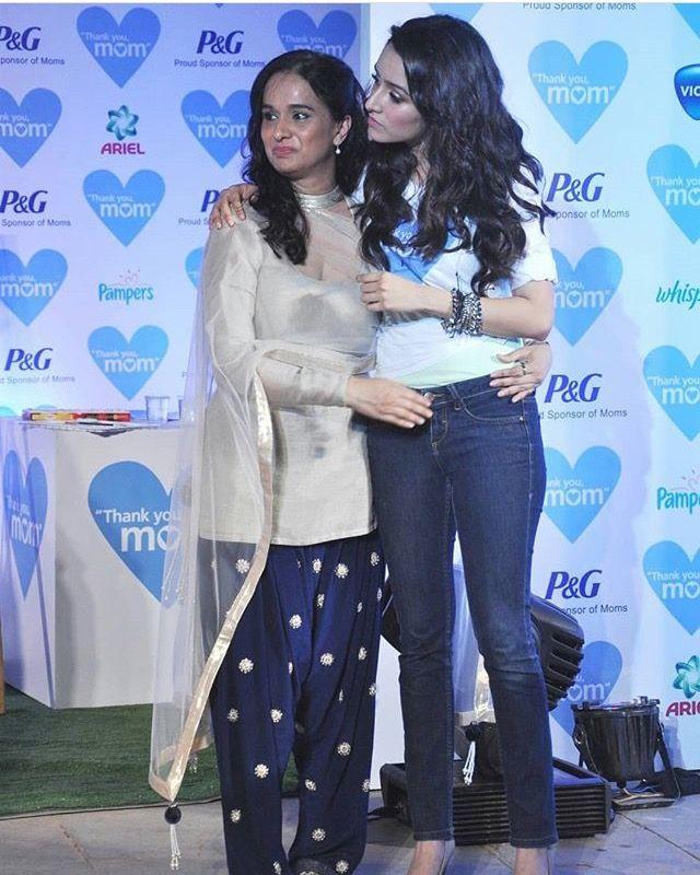 Shraddha Kapoor With Her Mother Shivangi