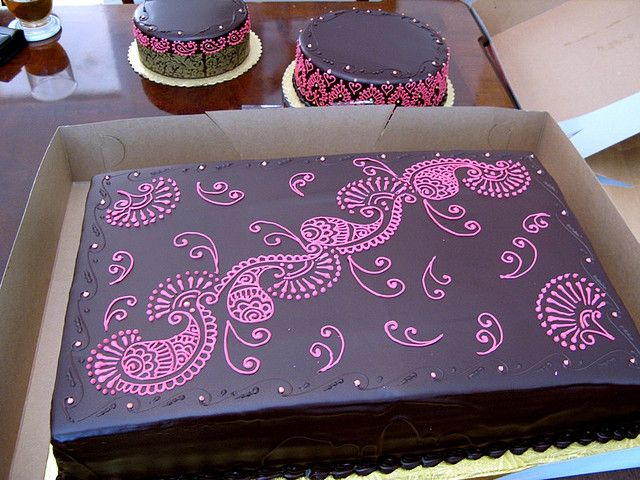 Paisley Mehndi Cake : Mehndi cake for wedding big and squirrel