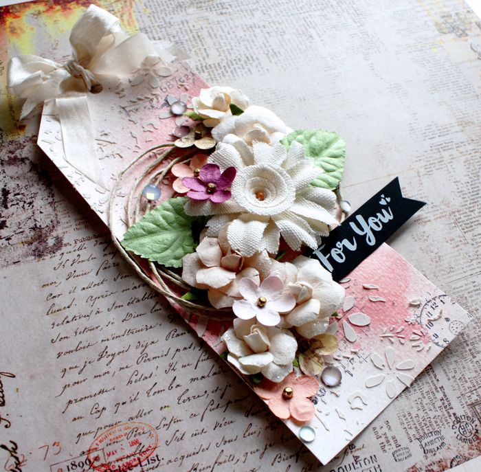 Camilla's tag is soft and sweet...showcasing softer tones. How perfect for adorning a special gift! The box flowers includes tags for fast and easy results! #flowers #mixedmedia #springtime #tags #gifttags