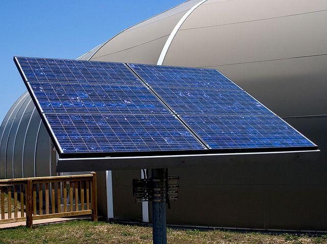 Apple To Build A Solar Panel Farm For Its Nevada Data Center The World I2mag Solar Energy System Solar Power Energy Solar Installation