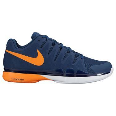 the nike zoom vapor 95 tour men's tennis shoe has a