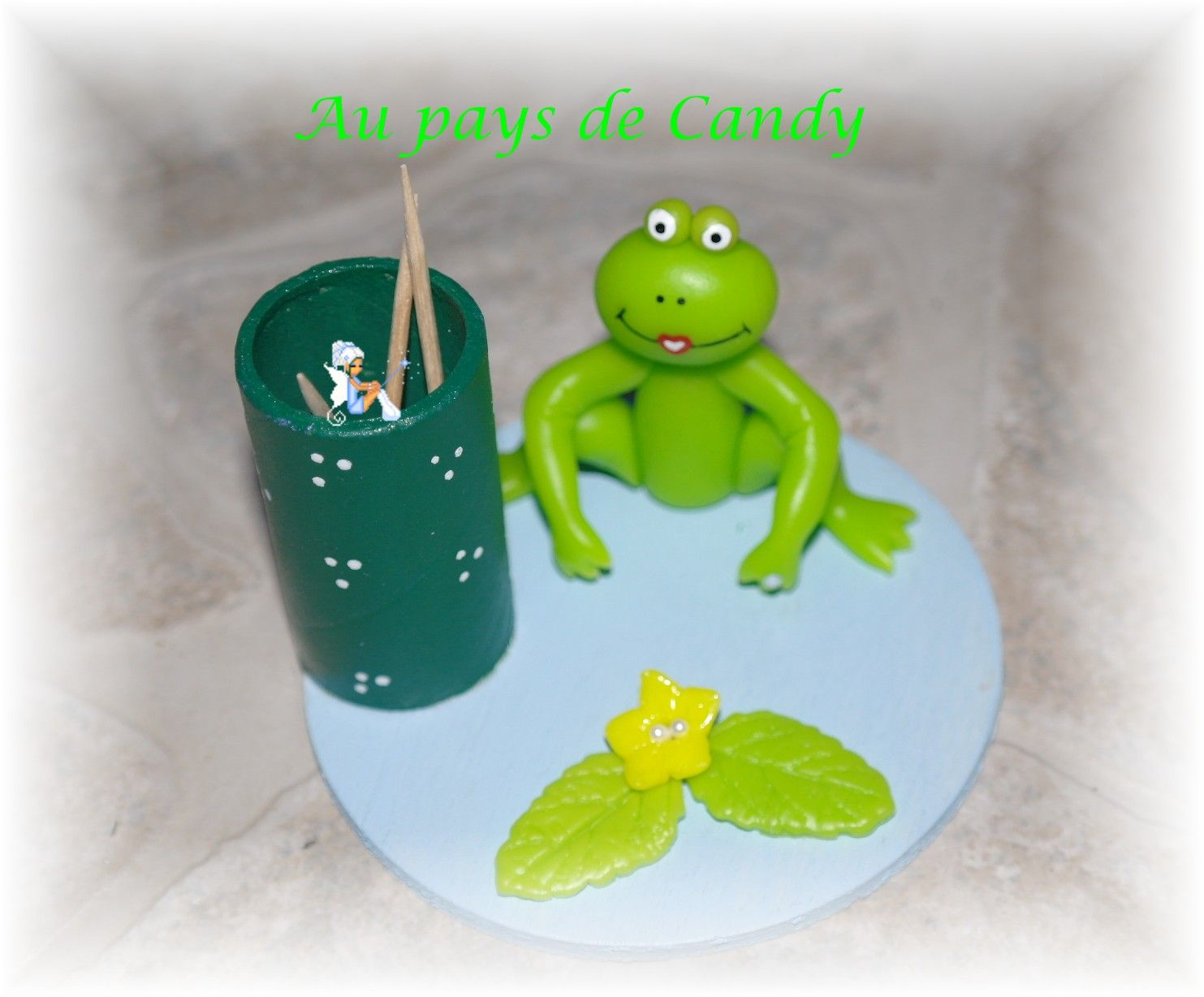 grenouille porte cure-dents porcelaine froide