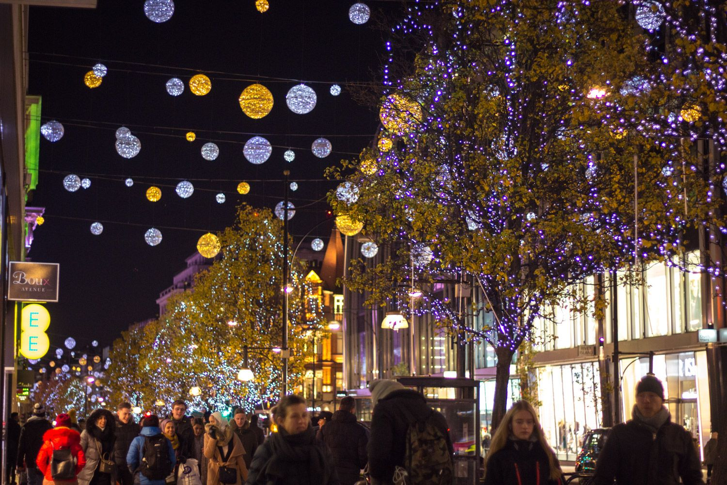 England Christmas Lights.Christmas Lights And Decorations In Winter London England