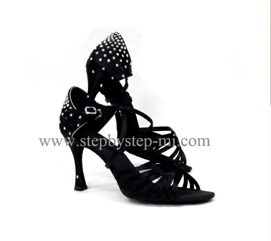 sandalo in raso nero decorato a mano con strass, suola in bufalo, tacco 80 #stepbystep #ballo #salsa #tango #kizomba #bachata #scarpedaballo #danceshoes #cute #design #fashion #shopping #shoppingonline #glamour #glam #shoe #style #instagood #instashoes #sandals #sandali #strass #rhinestone #instaheels #stepbystepshoes #cute #salsaon2 #black #bachatasensual #satin