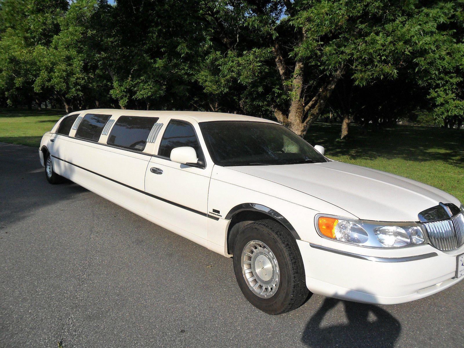 Family Limo 1999 Lincoln Town Car Executive Limousine Limousines