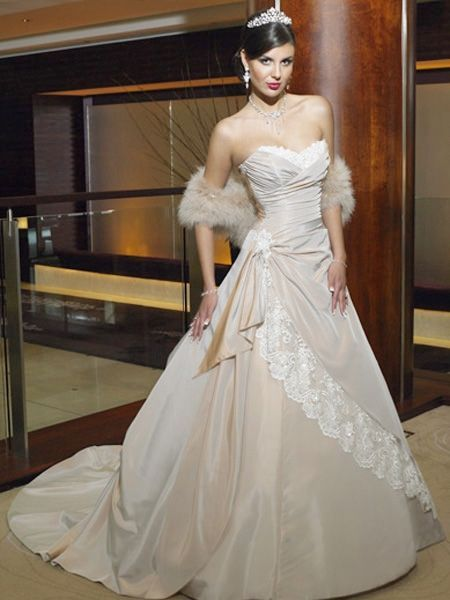 2011 Elegant Lacing Princess Sweetheart Cheap taffeta Wedding Dress
