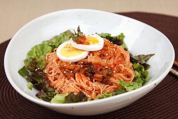 Bibimguksu 비빔국수 - Spicy Mixed Noodles