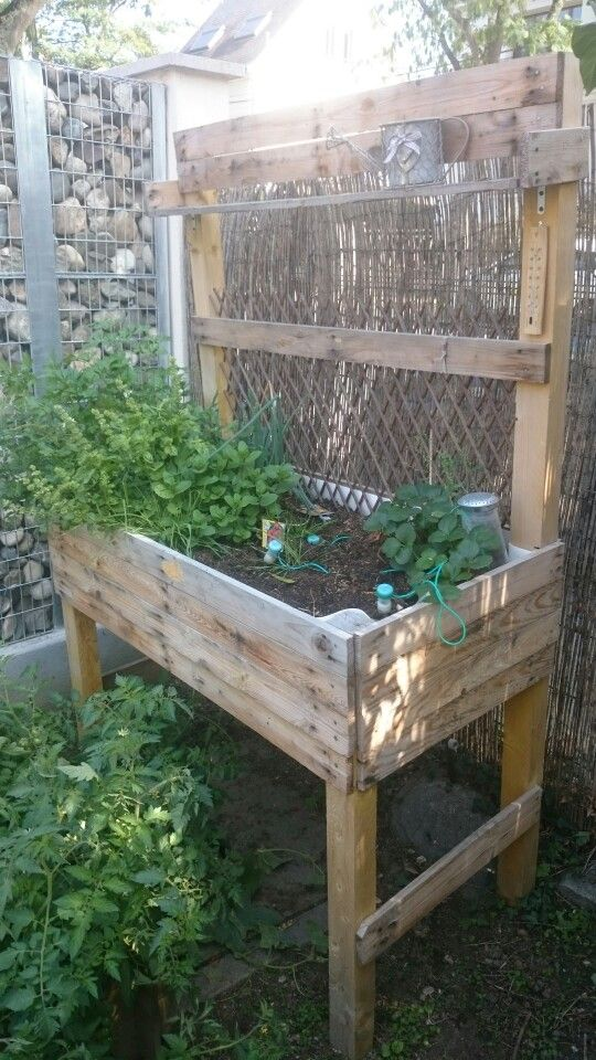 carr potager sur lev projets essayer pinterest raised bed and gardens. Black Bedroom Furniture Sets. Home Design Ideas
